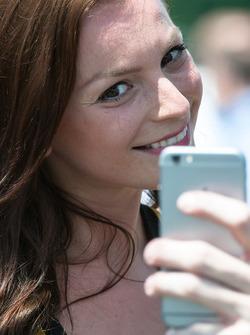 Selfie mit einem Gridgirl