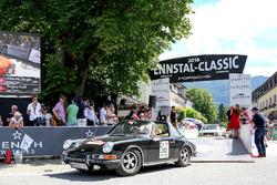 Elfriede Becvar-Hainfellner und Gabriela Kinzer, Porsche 911 Targa Bj. 1971