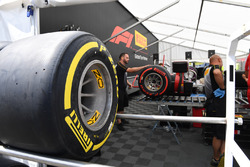 Area di preparazione delle gomme Pirelli