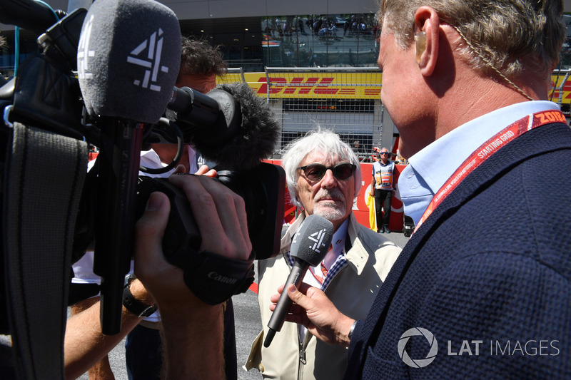 Bernie Ecclestone, parla con David Coulthard, Channel 4 F1, in griglia