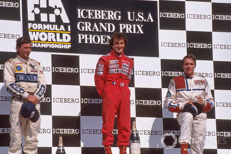 Podium: race winner Alain Prost, second place Riccardo Patrese, third place Eddie Cheever