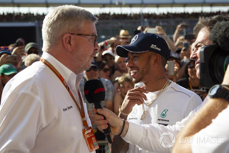 Ross Brawn, director deportivo de la F1 y Lewis Hamilton, Mercedes-AMG F1