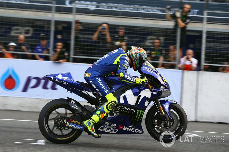 Valentino Rossi, Yamaha Factory Racing Inicio de la práctica