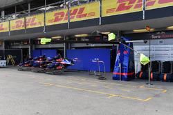 Scuderia Toro Rosso pit