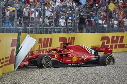 Sebastian Vettel, Ferrari SF71H, va a sbattere