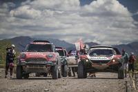 #319 Peugeot: Khalid Al-Qassimi, Xavier Panseri, #312 X-Raid Team Mini: Jakub Przygonski, Tom Colsoul