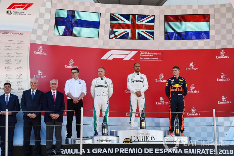 Гран Прі Іспанії. Подіум: Льюіс Хемілтон, Валттері Боттас, Макс Ферстаппен