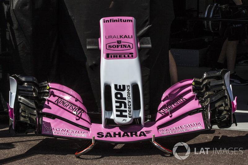 Носовой обтекатель и переднее крыло Force India VJM11