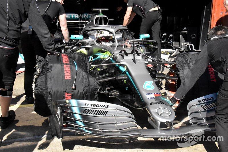 Vue détaillée de Mercedes AMG F1