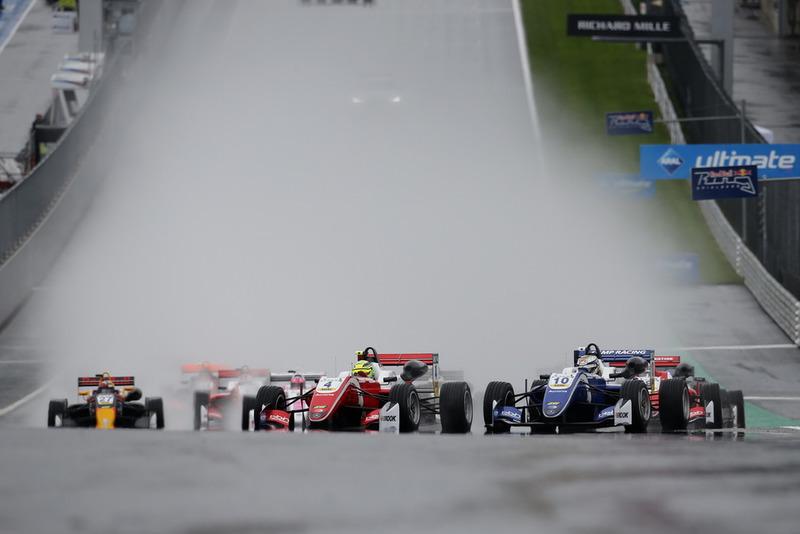Arrancada, Mick Schumacher, PREMA Theodore Racing Dallara F317 - Mercedes-Benz líder
