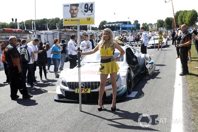 La grid girl di Pascal Wehrlein, Mercedes-AMG Team HWA