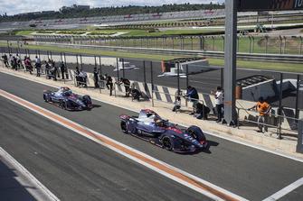 Robin Frijns, Envision Virgin Racing, Audi e-tron FE05 and Sam Bird, Envision Virgin Racing, Audi e-tron FE05 leave the pit lane