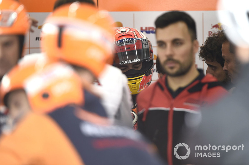 Marc Marquez, Repsol Honda Team, después de la caída