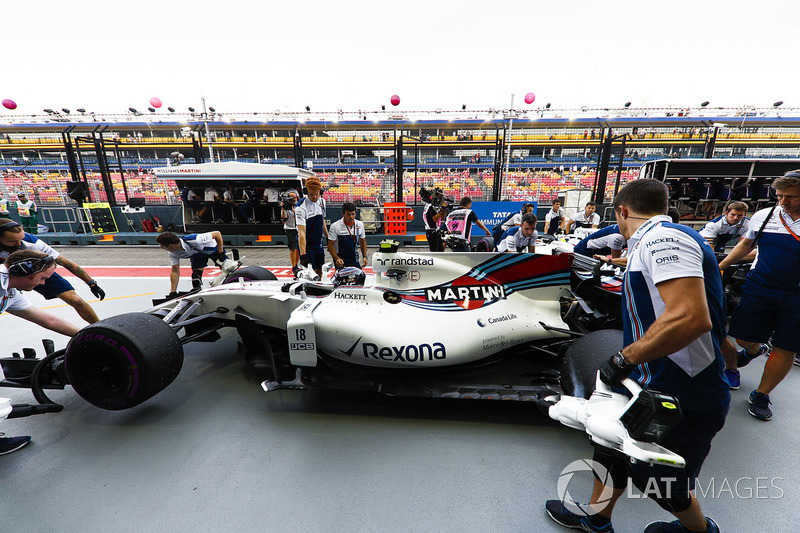 Lance Stroll, Williams FW40, in der Boxengasse