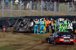 Crash: Todd Hazelwood, Brad Jones Racing Holden