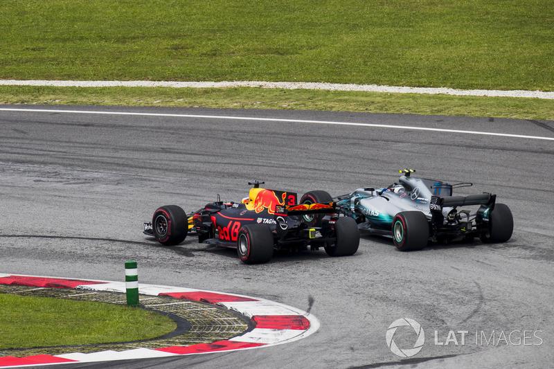 Даніель Ріккардо, Red Bull Racing RB13, Валттері Боттас, Mercedes AMG F1 W08,