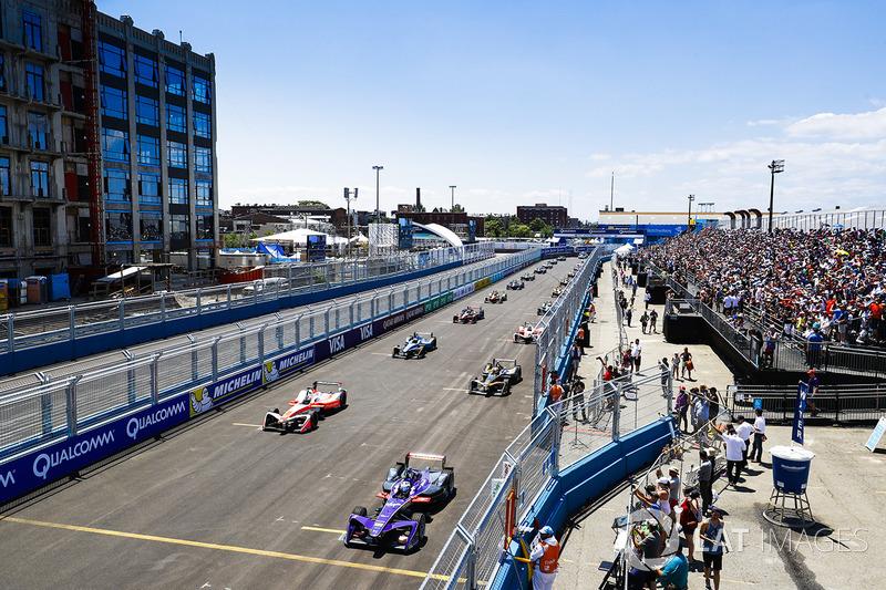 Sam Bird, DS Virgin Racing, e Felix Rosenqvist, Mahindra Racing, in prima fila in griglia