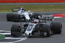 Romain Grosjean, Haas F1 Team VF-17, Lance Stroll, Williams FW40