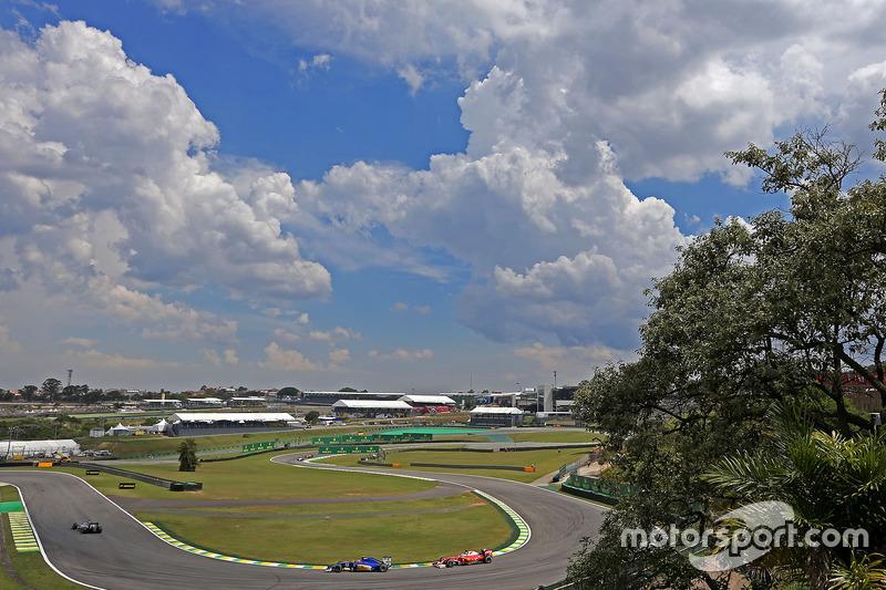 Felipe Nasr, Sauber F1 Team, Sebastian Vettel, Scuderia Ferrari