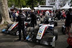 Jake Hughes, Hitech Grand Prix, Dallara F317 - Mercedes-Benz; Nikita Mazepin, Hitech Grand Prix, Dal