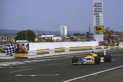 Nigel Mansell, Williams FW11B Honda takes the win