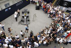 Bemutatták az új F2-versenyautót Monzában
