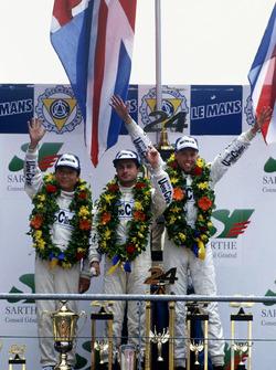 Podium: J.J. Lehto, Yannick Dalmas, Masanori Sekiya, McLaren F1 GTR