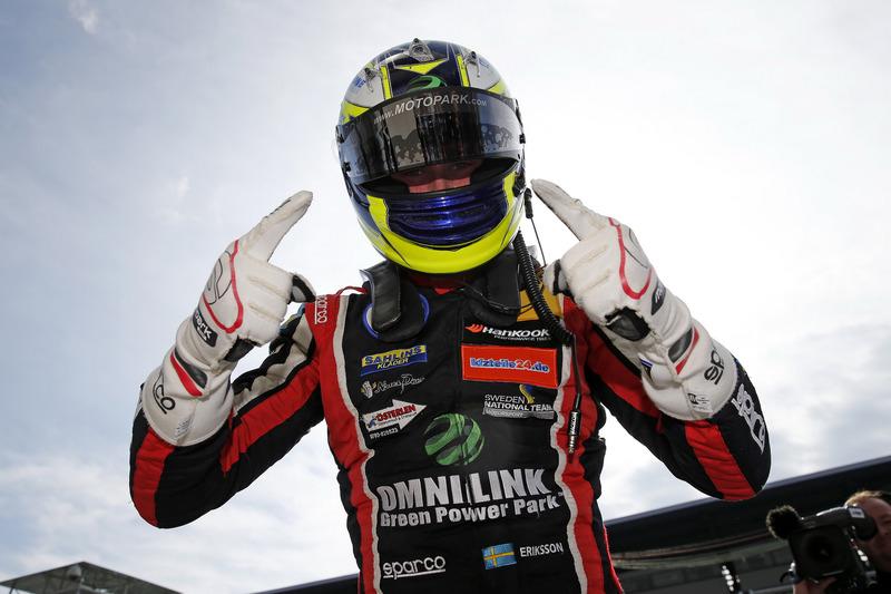 Joel Eriksson (foto) venceu as corridas 2 e 3 da rodada da F3 europeia em Spielber. No sábado, Callum Ilott levou a melhor na primeira bateria. Pedro Piquet foi o 10º na primeira prova e 15º nas corridas de fundo.
