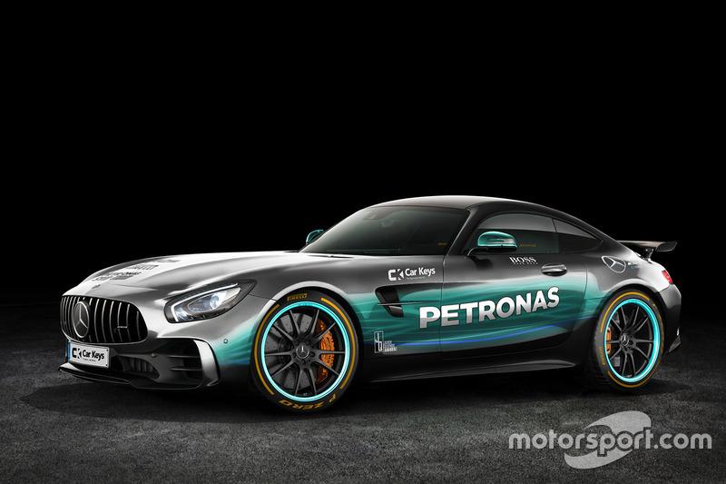 Mercedes AMG GT dengan corak Mercedes AMG F1
