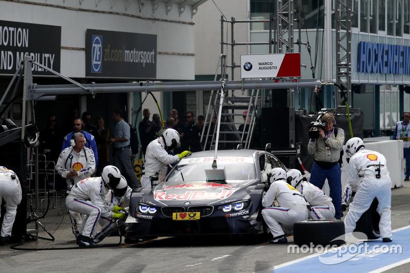 Pit stop, Marco Wittmann, BMW Team RMG, BMW M4 DTM