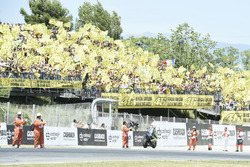 Fans mit Valentino Rossi, Yamaha Factory Racing