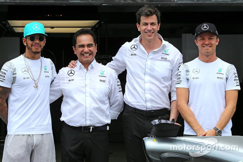 Lewis Hamilton, Mercedes AMG F1 Team, Nico Rosberg, Mercedes AMG F1 Team and Toto Wolf, Mercedes AMG