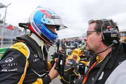 (L to R): Jolyon Palmer, Renault Sport F1 Team with Julien Simon-Chautemps, Renault Sport F1 Team Race Engineer on the grid