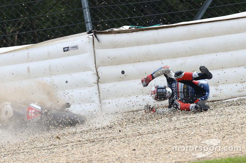 Sturz: Loris Baz, Avintia Racing