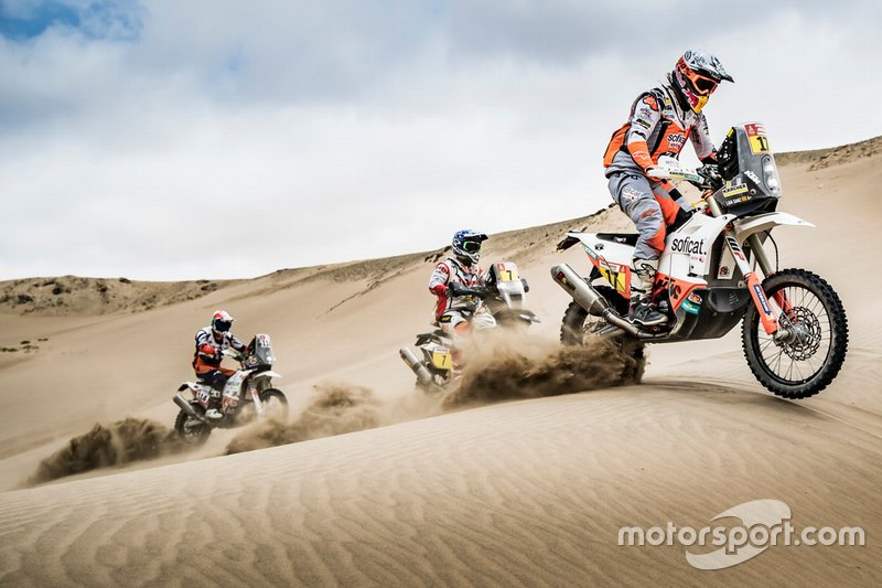 #17 Red Bull KTM Factory Racing KTM: Laia Sanz, #7 HERO Motorsports Team Rally: Oriol Mena, #114 Bas Dakar Team: Ross Branch