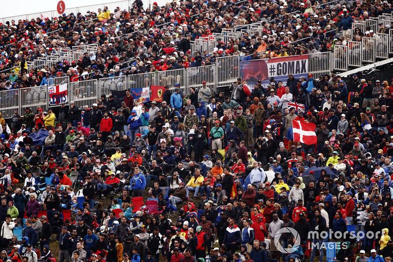 Des fans en tribune