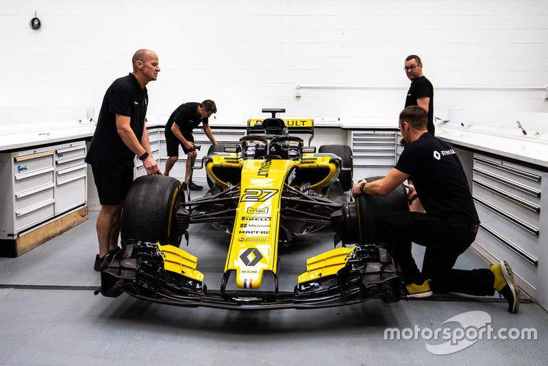 Préparation de la Renault R.S.18