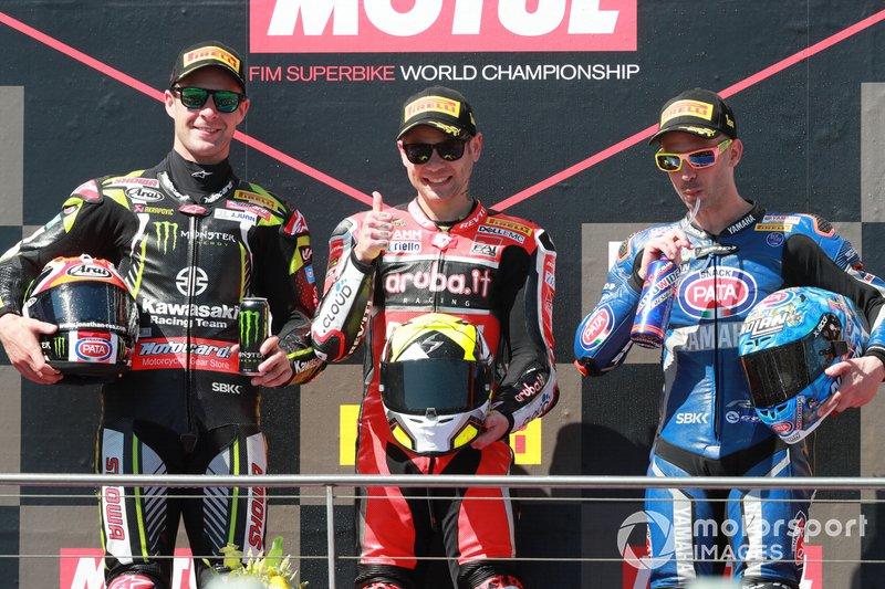 Segundo Jonathan Rea, Kawasaki Racing, ganador Alvaro Bautista, Aruba.it Racing-Ducati Team, tercero Marco Melandri, GRT Yamaha WorldSBK