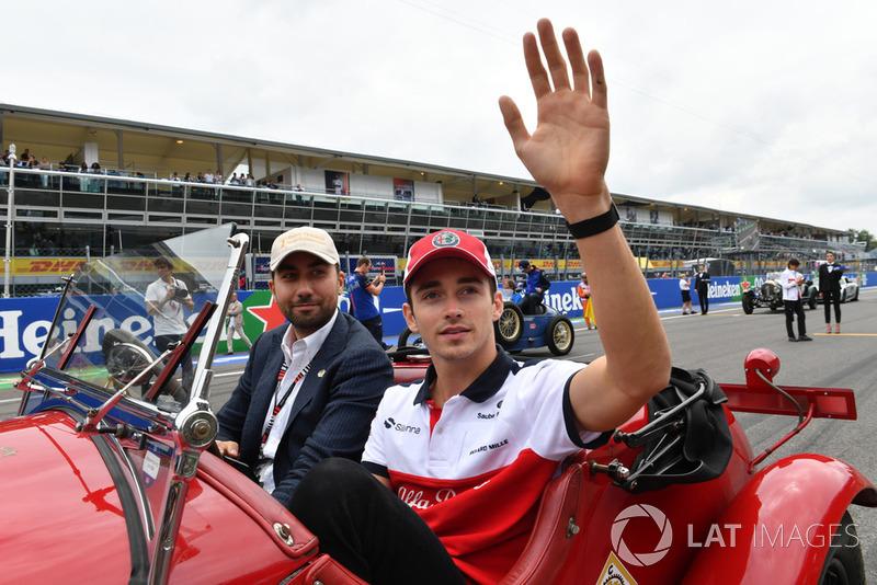 Assim, o caminho natural era a F1. Sua estreia aconteceria pela Sauber, que voltaria a ter laços mais estreitos com a Ferrari.