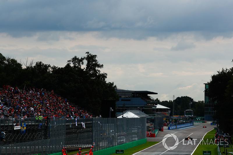 Max Verstappen, Red Bull Racing RB14, y Sebastian Vettel, Ferrari SF71H