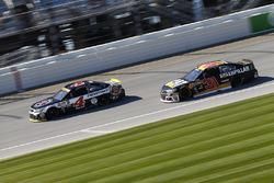 Kevin Harvick, Stewart-Haas Racing Chevrolet, Ryan Newman, Richard Childress Racing Chevrolet