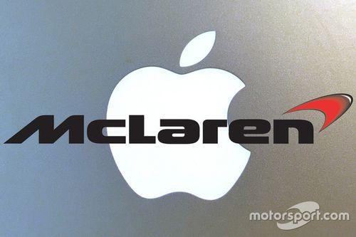 Коллаж эмблем Apple и McLaren