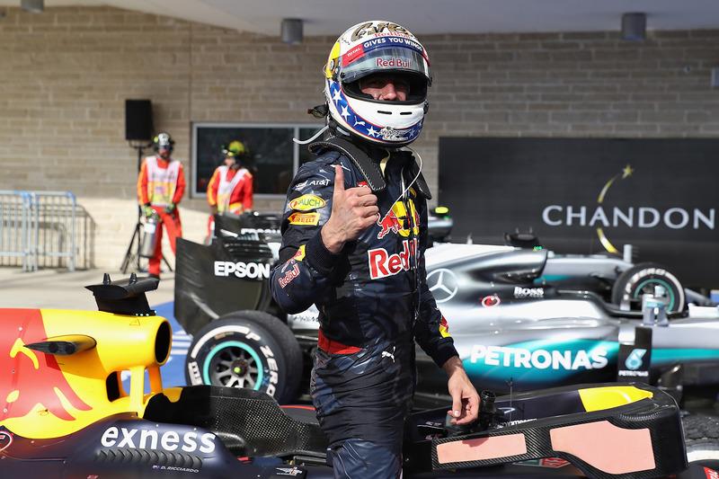Daniel Ricciardo é o terceiro colocado no campeonato e segue tranquilo e sorridente.