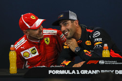 Sebastian Vettel, Ferrari and Daniel Ricciardo, Red Bull Racing nella conferenza stampa