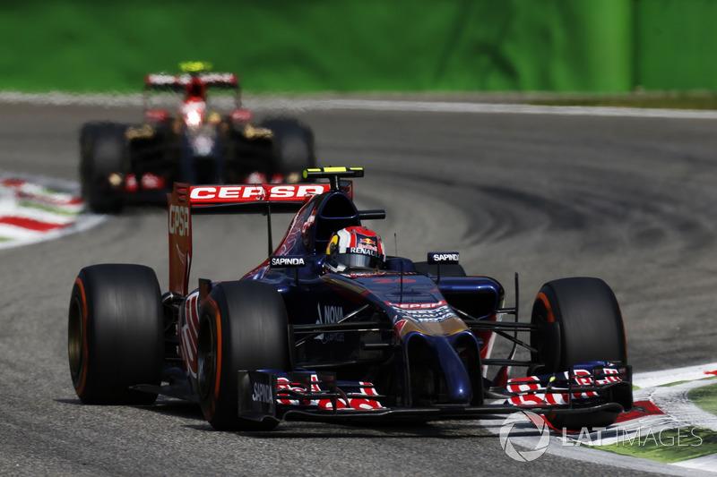 Kvyat pontuou em cinco de 19 etapas e acabou a temporada em 15º. Contudo, com a saída de Vettel para a Ferrari, o russo ganhou uma chance na Red Bull.
