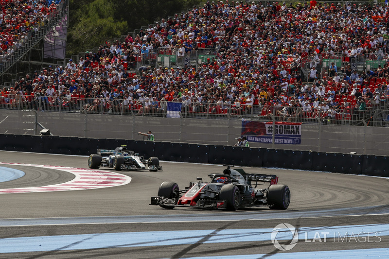 Grosjean complains of being pushed wide by recovering Bottas