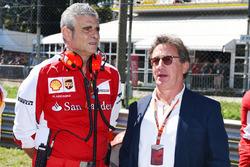 Мауріціо Аррівабене, керівник команди Ferrari, і Луїс Каміллері, керівник Philip Morris