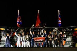 Podyum: Yarış galibi #14 Emil Frey Lexus Racing Lexus RC F GT3: Christian Klien, Albert Costa, Marco Seefr