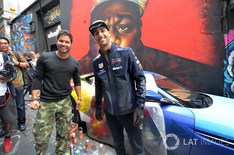 Гран При Австралии: уличный художник Хулиан Клавихо