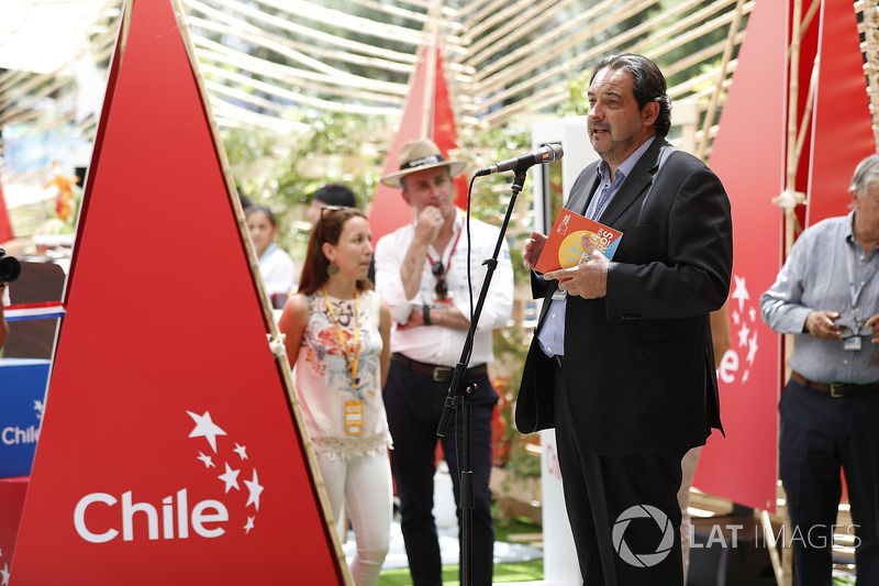 Opening Ceremony for the Ciudad de Chile's E-Village stand